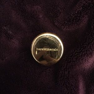 Satin caramel bareMinerals eyeshadow
